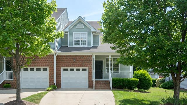 Photo 1 of 16 - 6010 Four Townes Ln, Raleigh, NC 27616
