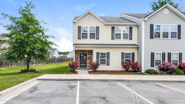 Photo 1 of 25 - 3507 Midway Island Ct, Raleigh, NC 27610