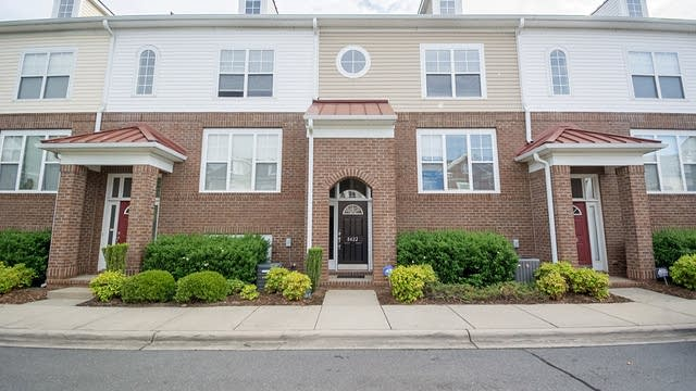 Photo 1 of 28 - 8422 Scotney Bluff Ave, Charlotte, NC 28273