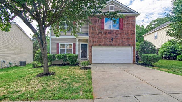Photo 1 of 17 - 107 Zolder Ln, Mooresville, NC 28117
