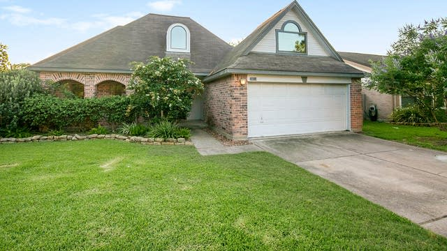 Photo 1 of 17 - 16614 Tranquil Dr, Sugar Land, TX 77498