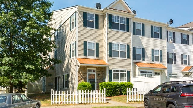 Photo 1 of 16 - 2220 Raven Rd #100, Raleigh, NC 27614