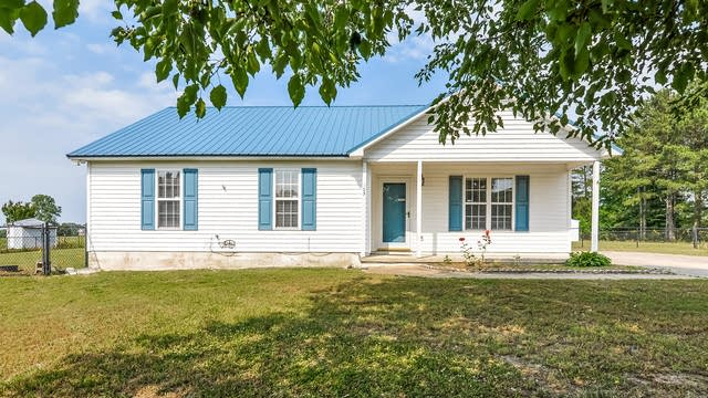 Photo 1 of 25 - 105 Topeka Ln, Willow Spring, NC 27592