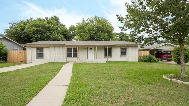 Photo 1 of 19 - 7111 Stone Fence Rd, San Antonio, TX 78227