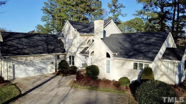 Photo 1 of 25 - 8816 Wildwood Links, Raleigh, NC 27613