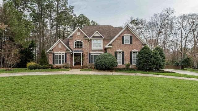 Photo 1 of 25 - 5204 Deergrass Ct, Raleigh, NC 27613