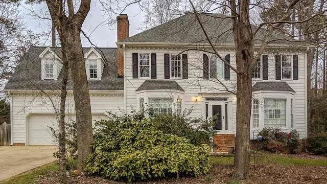Photo 1 of 26 - 4108 Westwood Pl, Raleigh, NC 27613