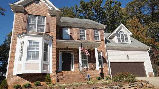 Photo 1 of 24 - 6733 Hammersmith Dr, Raleigh, NC 27613