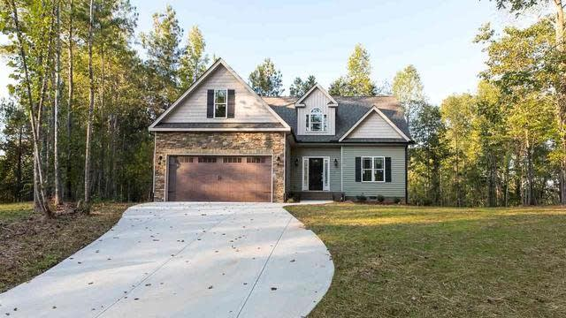 Photo 1 of 25 - 100 Falcon Crest Ln, Youngsville, NC 27596