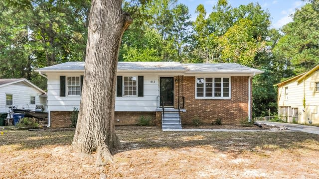 Photo 1 of 25 - 812 Cooper Rd, Raleigh, NC 27610