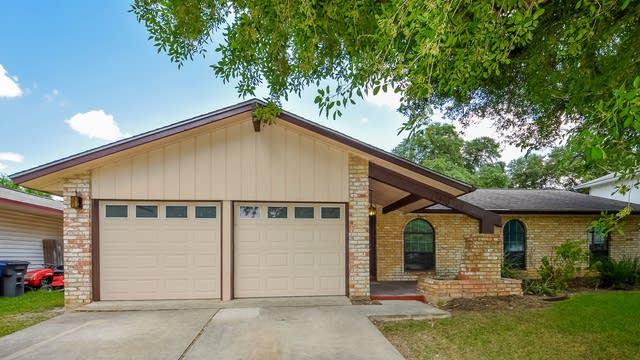 Photo 1 of 25 - 13910 Brays Frst, San Antonio, TX 78217