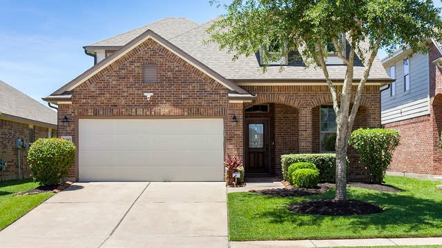 Photo 1 of 19 - 26930 Harwood Heights Dr, Katy, TX 77494