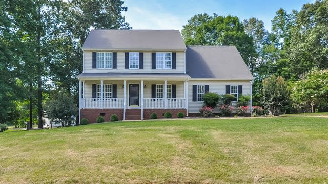 Photo 1 of 25 - 728 Raymond Dr, Clayton, NC 27527