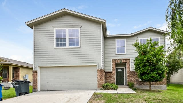 Photo 1 of 22 - 722 Crosspoint Dr, New Braunfels, TX 78130