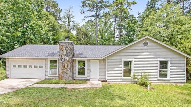 Photo 1 of 17 - 41 Burnham Dr, Jonesboro, GA 30238