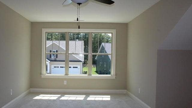 Photo 1 of 21 - 12 Meadowrue Ln, Youngsville, NC 27596