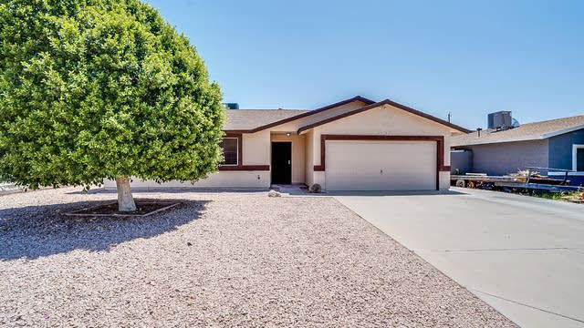 Photo 1 of 19 - 2207 S Belaire Rd, Apache Junction, AZ 85119