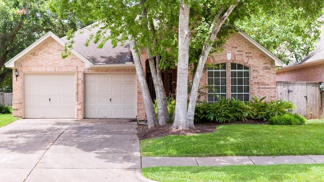 Photo 1 of 20 - 6910 Windshore Way, Sugar Land, TX 77479