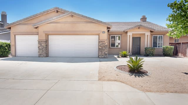 Photo 1 of 18 - 1090 Tulip Way, San Jacinto, CA 92582