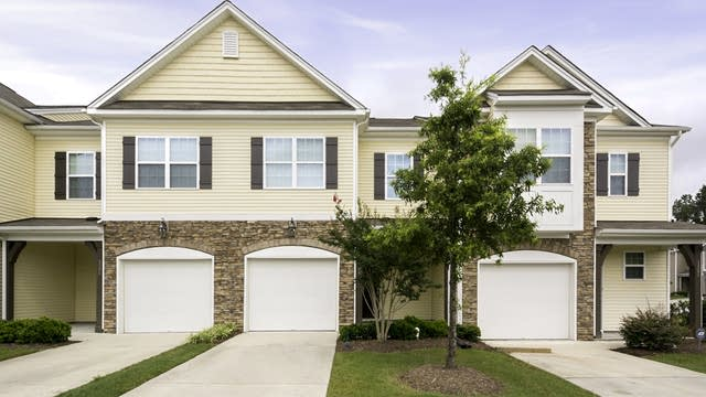 Photo 1 of 17 - 1204 Nicklaus Dr, Durham, NC 27705