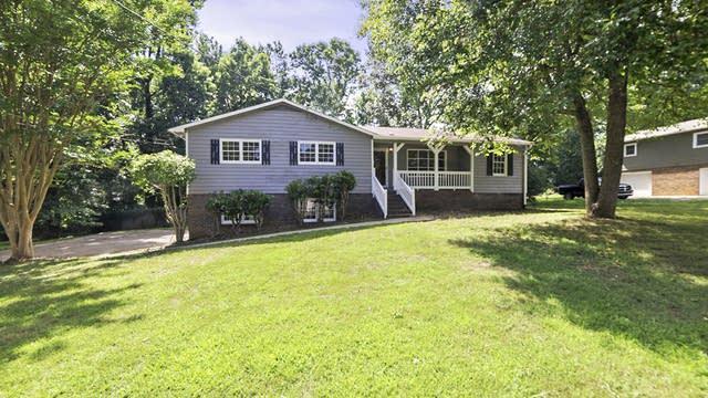 Photo 1 of 22 - 150 Sequoyah Cir, Canton, GA 30115