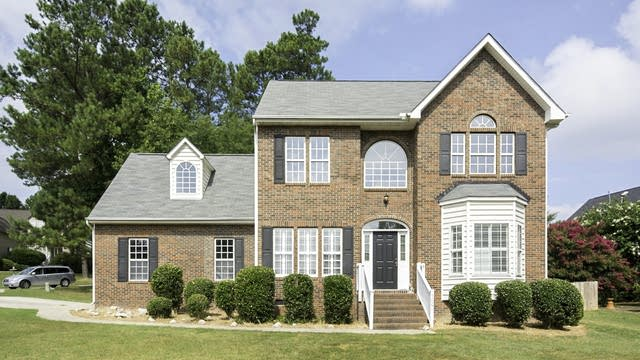 Photo 1 of 24 - 5001 Arbor Chase Dr, Raleigh, NC 27616