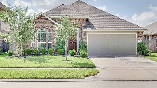 Photo 1 of 21 - 13011 Thorn Valley Ct, Tomball, TX 77377