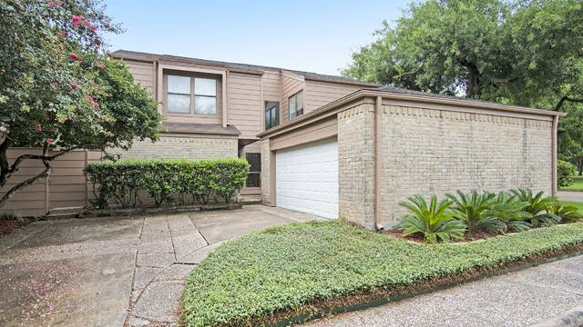 Photo 1 of 16 - 16802 Pinemoor Way, Houston, TX 77058