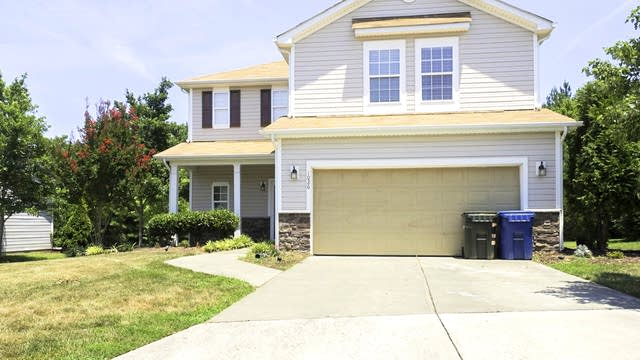 Photo 1 of 26 - 1026 Sweet Gale Dr, Durham, NC 27704