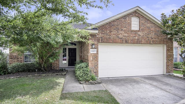 Photo 1 of 17 - 11627 Forest Wind Ln, Houston, TX 77066