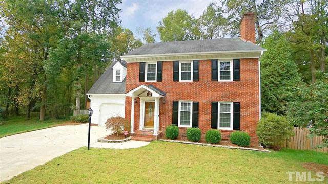 Photo 1 of 30 - 7401 Chippenham Ct, Raleigh, NC 27613