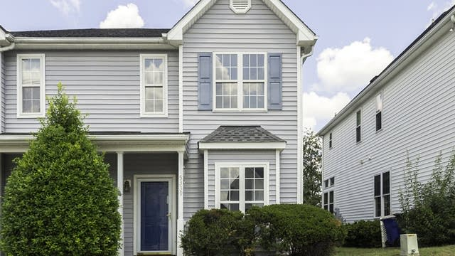 Photo 1 of 22 - 5339 Cog Hill Ct, Raleigh, NC 27604
