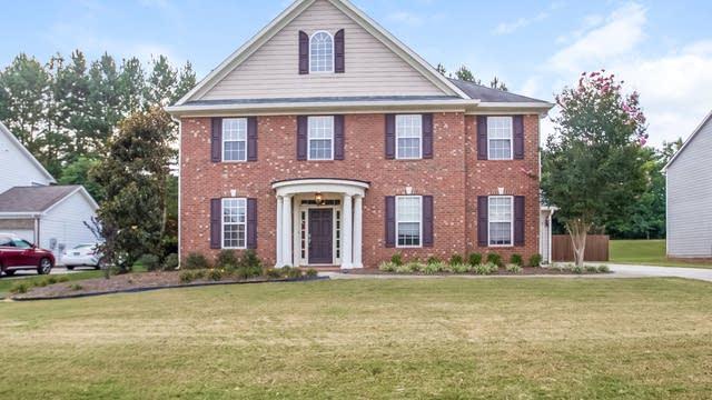 Photo 1 of 24 - 121 Keswick Manor Dr, Tyrone, GA 30290