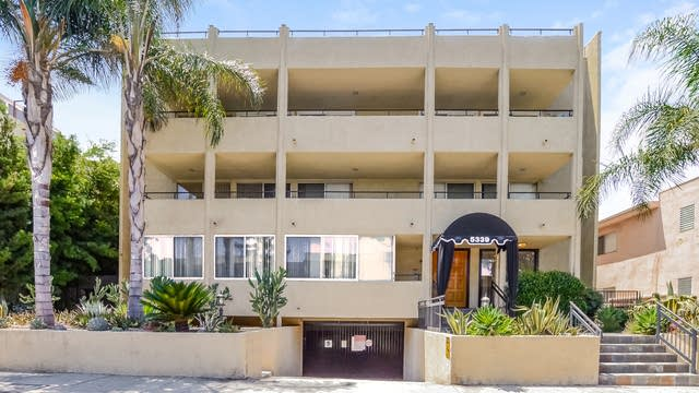 Photo 1 of 25 - 5339 Newcastle Ave #202, Los Angeles, CA 91316