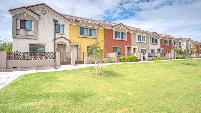 Photo 1 of 15 - 1950 N Center St #109, Mesa, AZ 85201