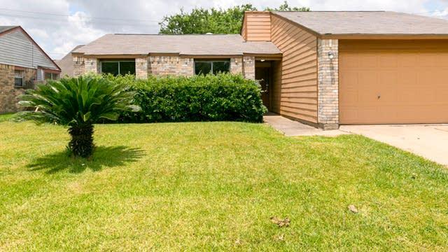 Photo 1 of 18 - 15926 Pryor Dr, Missouri City, TX 77489