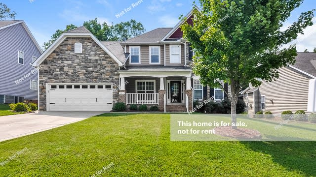 Photo 1 of 25 - 200 Chieftain Dr, Holly Springs, NC 27540