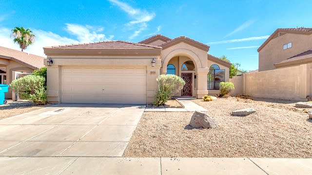 Photo 1 of 24 - 2133 E Wahalla Ln, Phoenix, AZ 85024