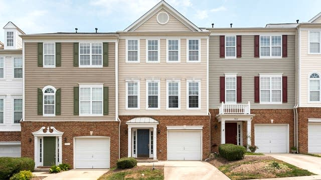 Photo 1 of 20 - 7014 Mead Ln, Raleigh, NC 27613