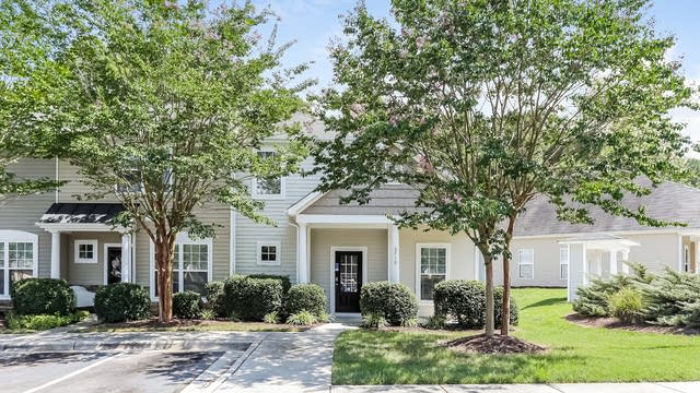 Photo 1 of 25 - 2710 Willow Pines Pl, Raleigh, NC 27614