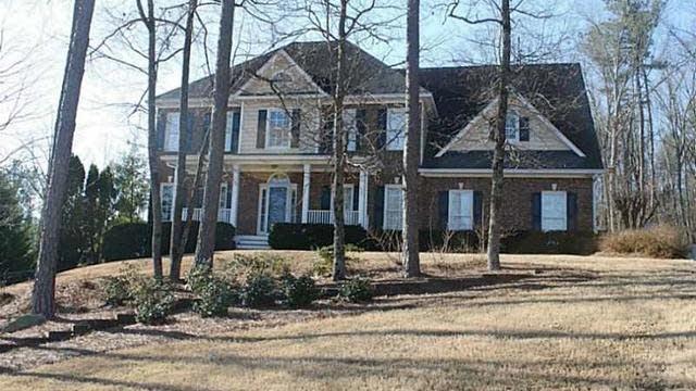 Photo 1 of 25 - 3481 Haddon Hall Dr, Buford, GA 30519