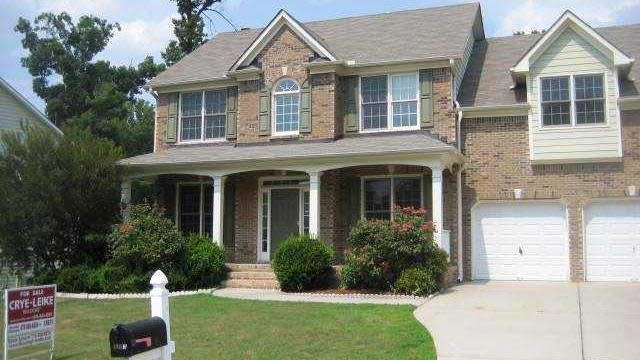 Photo 1 of 11 - 3703 Southland Dr, Buford, GA 30519