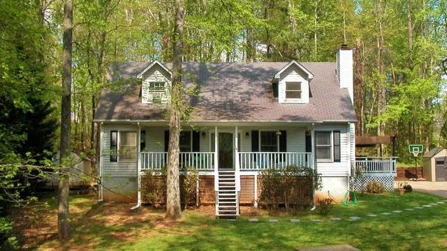 Photo 1 of 40 - 4284 Friar Tuck Ln, Buford, GA 30519