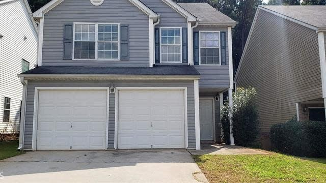 Photo 1 of 26 - 7427 Garnet Dr, Jonesboro, GA 30236