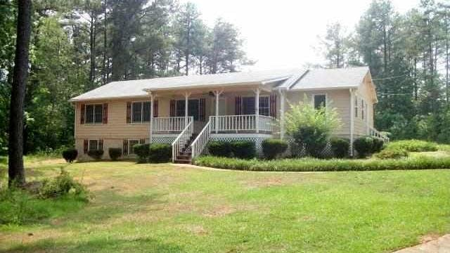 Photo 1 of 24 - 2138 Old Flowery Branch Rd, Buford, GA 30519