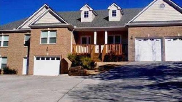 Photo 1 of 16 - 4190 Tuggle Rd, Buford, GA 30519