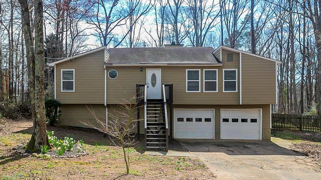 Photo 1 of 27 - 5835 Wind Haven Ct NW, Kennesaw, GA 30152