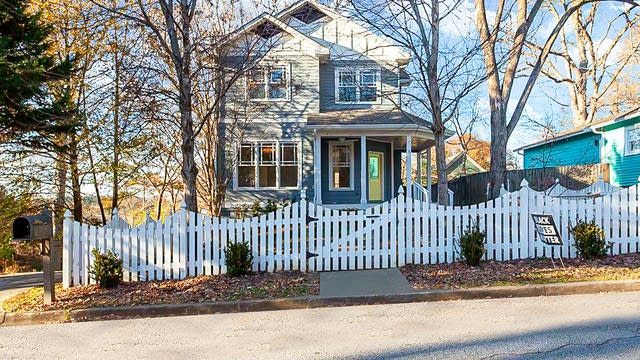 Photo 1 of 29 - 2679 Rosemary St NW, Atlanta, GA 30318