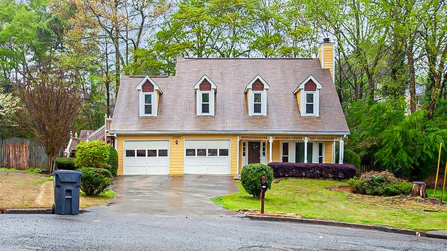 Photo 1 of 25 - 2392 High Forest Ct, Duluth, GA 30096