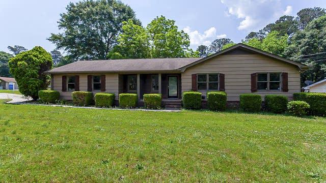 Photo 1 of 23 - 366 Black Oak Ct, Lawrenceville, GA 30046